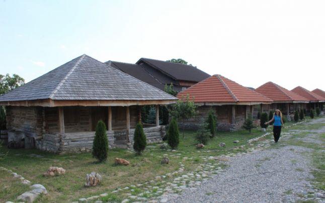 7 case din lemn vechi de 100 de ani construite in judetul Gorj