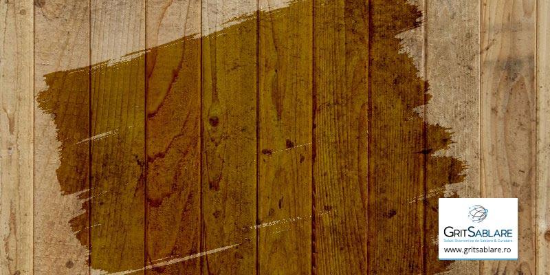Sablarea cu grit abraziv, solutia optima pentru curatarea suprafetelor de lemn